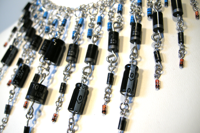 zelle jewelry capacitor necklace